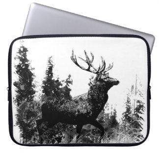 Diseño de los ciervos del macho del vintage fundas computadoras