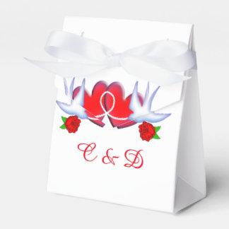 Diseño de los corazones y de los rosas del trago cajas para regalos