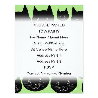 """Diseño de los gatos en negro y verde invitación 4.25"""" x 5.5"""""""