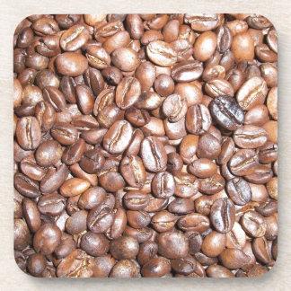 Diseño de los granos de café posavasos de bebidas