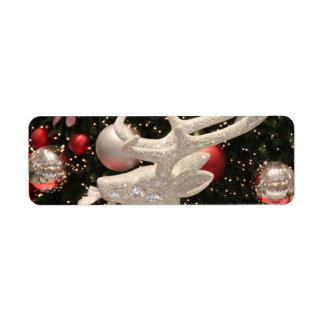 Diseño de los ornamentos del árbol de navidad del  etiqueta de remite