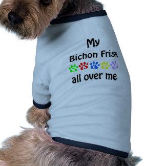 Diseño de los paseos de Bichon Frise Camisetas De Perrito