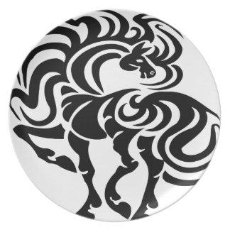 Diseño de lujo del caballo platos