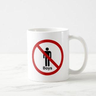 """Diseño de """"ningunos muchachos"""" taza de café"""