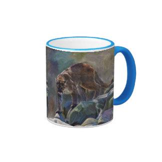 Diseño de vagabundeo del arte del león de montaña taza a dos colores
