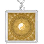 Diseño de Yin Yang Lotus Colgante Cuadrado