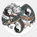 Diseño de Yin Yang Pegatina Redonda