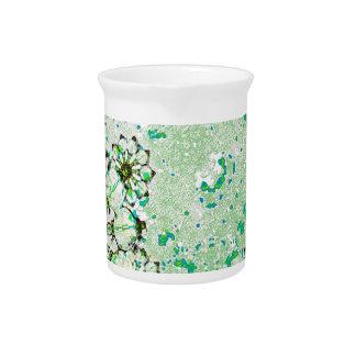 Diseño decorativo artístico jarra de beber