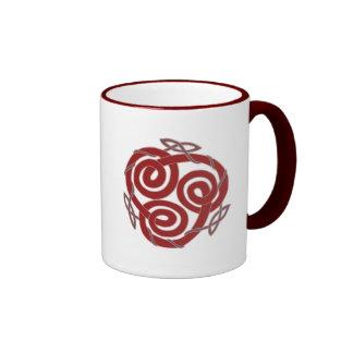 Diseño decorativo del nudo céltico rojo y ciánico taza de dos colores