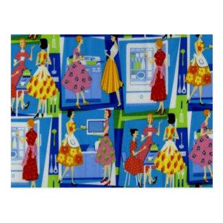 diseño del ama de casa de los años 50 postal