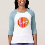 Diseño del amor en la camiseta del raglán