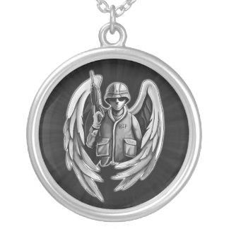 Diseño del ángel del soldado colgante redondo
