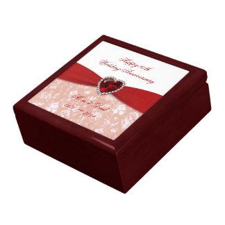 Diseño del aniversario de boda del damasco 40.o joyero cuadrado grande