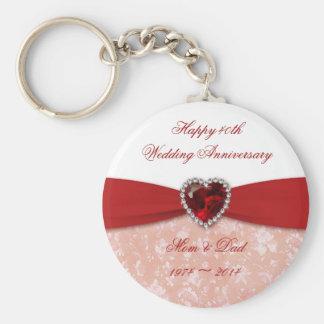 Diseño del aniversario de boda del damasco 40.o llavero redondo tipo pin