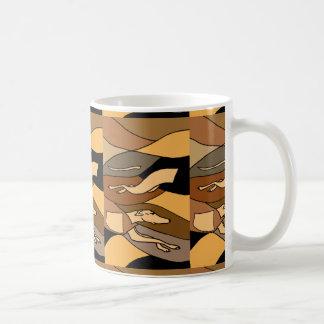 Diseño del arte abstracto del perro del galgo taza básica blanca