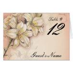 diseño del arte de las flores del lirio en el boda tarjeta