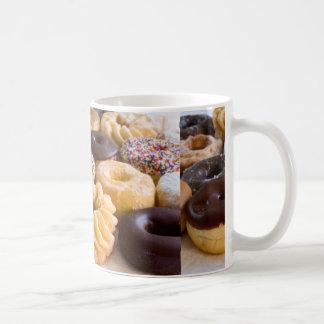 diseño del arte del buñuelo taza de café