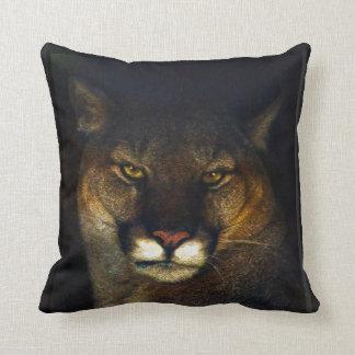 Diseño del arte del león de montaña del puma del cojín decorativo