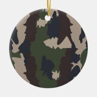 Diseño del camuflaje adorno navideño redondo de cerámica