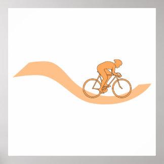 Diseño del ciclista en naranja póster