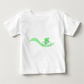 Diseño del ciclista en verde tee shirt