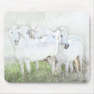 Diseño del cojín de ratón de los caballos blancos tapete de ratón