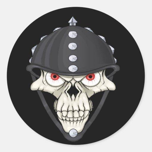 Diseño del cráneo del casco del motorista para los pegatina redonda
