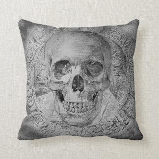 Diseño del cráneo en la almohada de tiro