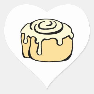 Diseño del dibujo animado del bollo de miel del pegatina en forma de corazón