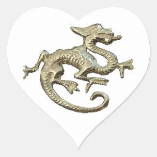 Diseño del dragón pegatina en forma de corazón