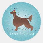 Diseño del feliz cumpleaños de Irish Setter Pegatina Redonda