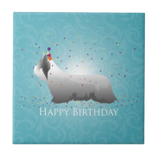 Diseño del feliz cumpleaños de Skye Terrier Azulejo Cuadrado Pequeño