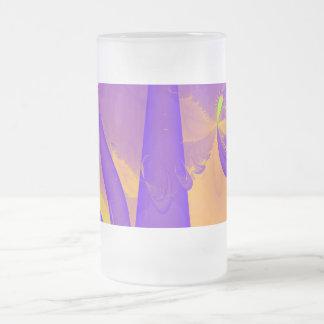Diseño del fractal de la púrpura, de la verde lima tazas de café