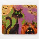 Diseño del gato negro de Halloween Tapetes De Ratón