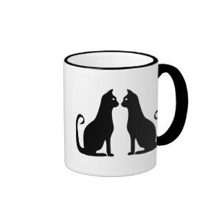 Diseño del gato negro taza