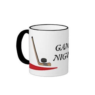 Diseño del hockey del _de la noche del juego taza