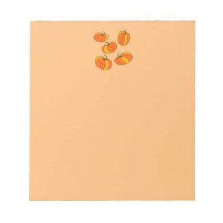 ¡Diseño del jefe de la calabaza en el cuaderno de Bloc De Notas