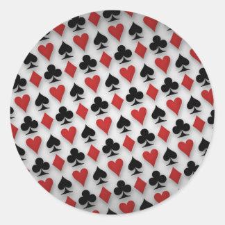 Diseño del modelo de los naipes del póker pegatina redonda