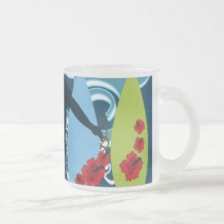 Diseño del océano de la playa del tipo fresco de taza de café esmerilada