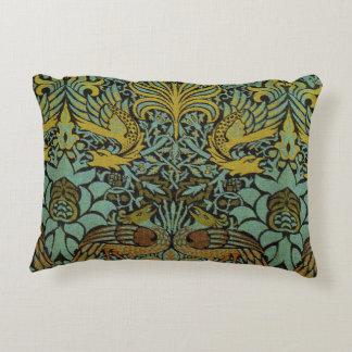 Diseño del pavo real y de la tapicería de William Cojín Decorativo