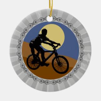 diseño del piñón de cadena de la bici de montaña adorno navideño redondo de cerámica