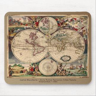 Diseño del regalo de Classc del mapa de Viejo Mund Tapetes De Ratones