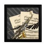 Diseño del saxofón y de la música del piano joyero cuadrado grande