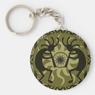 Diseño del sudoeste que baila Kokopelli Sun tribal Llavero Redondo Tipo Pin