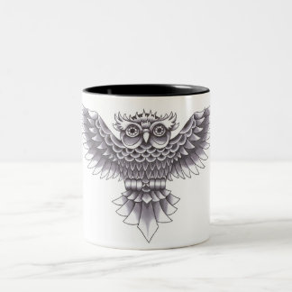 Diseño del tatuaje del búho de la escuela vieja taza de café