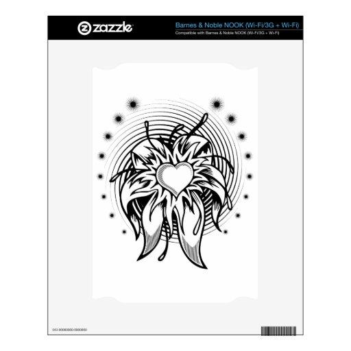 Diseño del tatuaje del corazón de la flor con un e skin para el NOOK