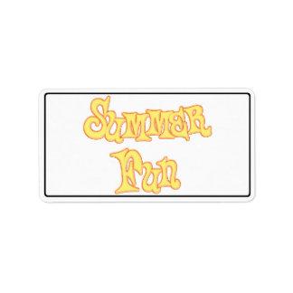 Diseño del texto de la diversión del verano etiquetas de dirección