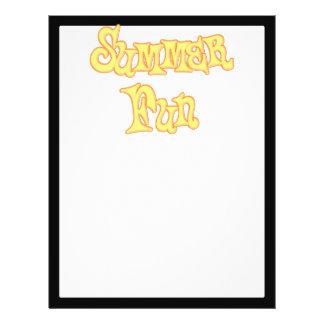 Diseño del texto de la diversión del verano tarjeton