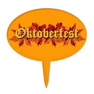 Diseño del texto de Oktoberfest con las hojas de o Decoración De Tarta