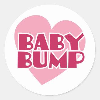 Diseño del topetón del bebé pegatina redonda